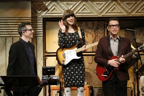 Watch Eleanor Friedberger perform with Fred Armisen on